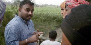 Chetan Raut meets farmers in Chandrapur, Maharashtra
