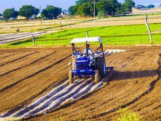 1490351438_a9jwrh_tractor-shutterstock