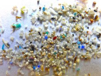 150919135201-microbeads-full-169