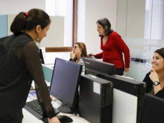 woman-office-workforce