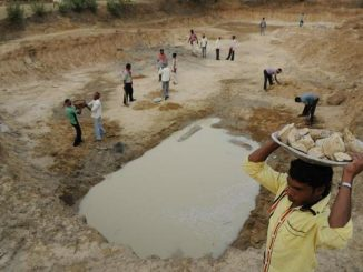 villagers-of-uka-at-raghunathpur-ii-block-in-purulia-district-dig-a-catchment-area-for-rainwater-harvesting
