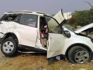 mahindra-xuv500-accident-yamuna